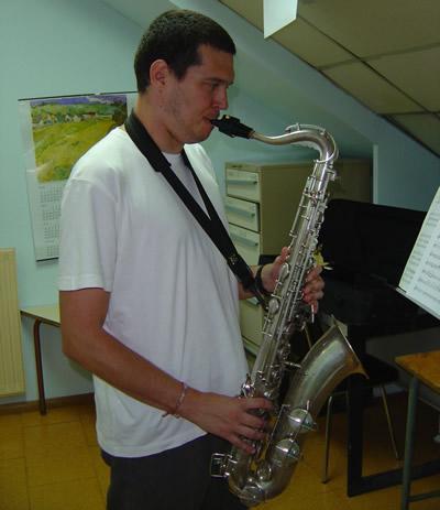 escuela de música con saxofón Madrid